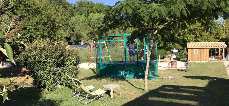 camping-gironde-aire-de-jeux-enfants