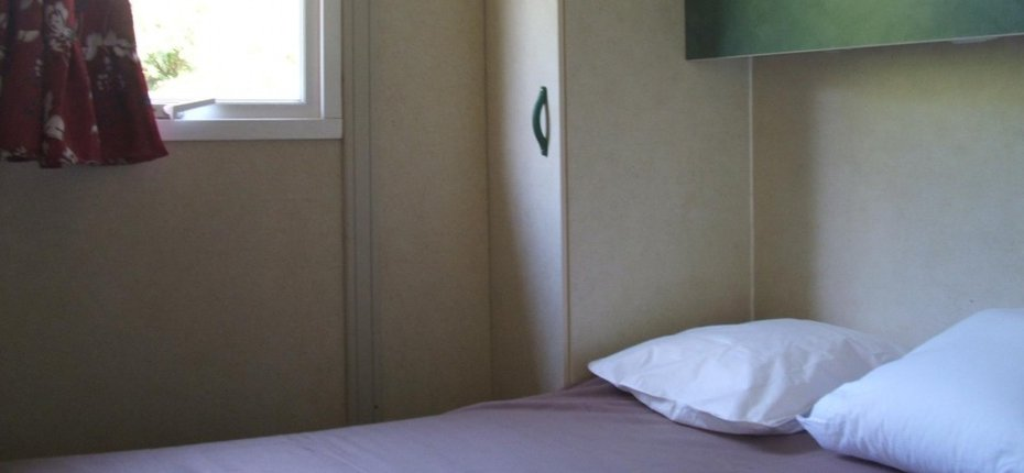 camping-gironde-location-chalet-3ch-6p-chambre