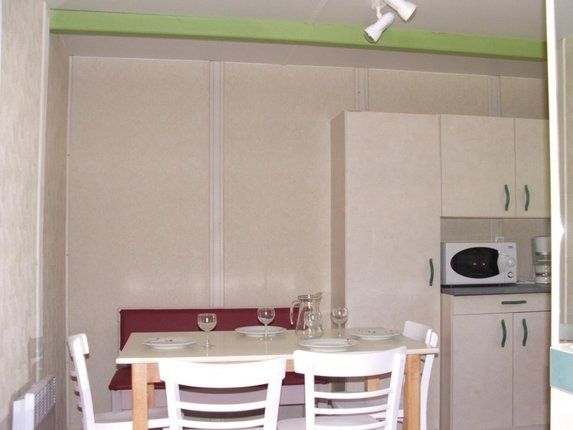 camping-gironde-location-chalet-3ch-6p-sejour