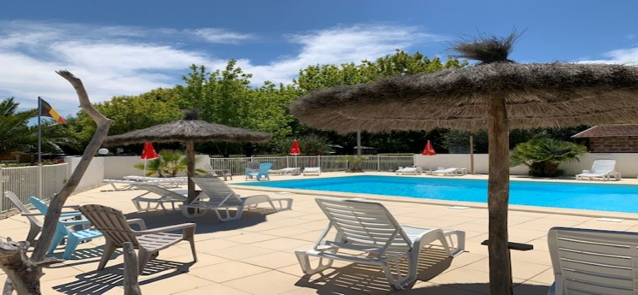 Piscine chauffée Camping La Chesnays (7)