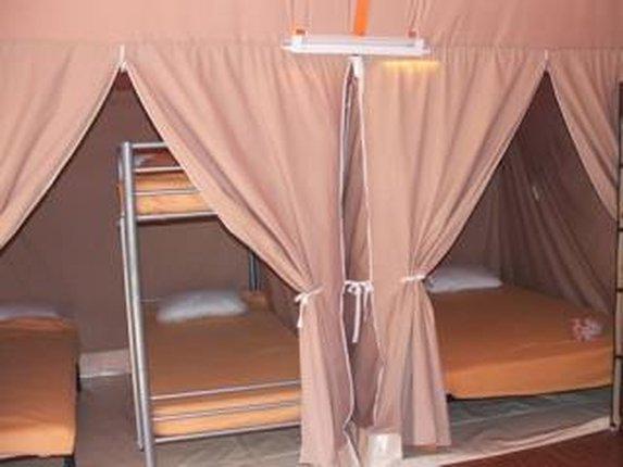 location-gironde-medoc-tente-lodge-2ch-5p-chambre