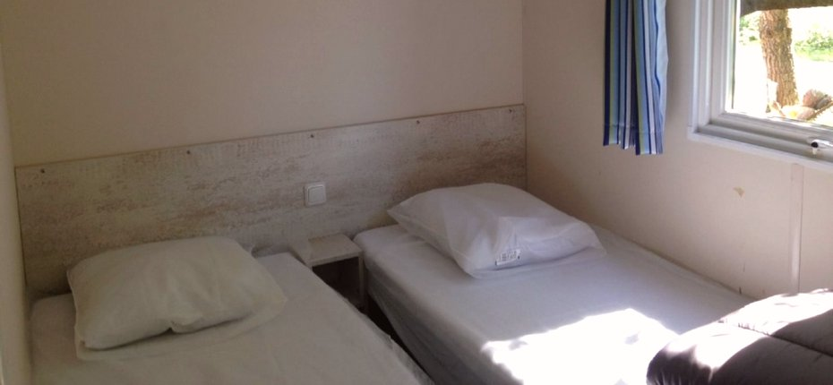 camping-gironde-location-mobil-home-3ch-6p-chambre-enfants