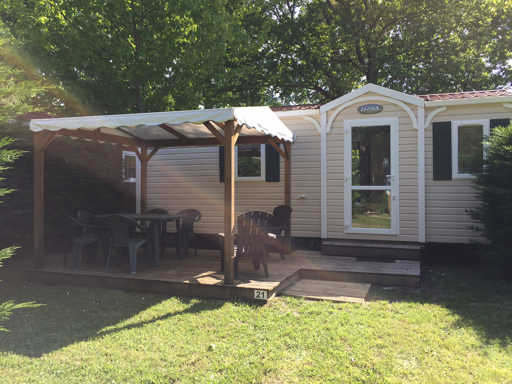 mobil-home-2-chambres-terrasse-couverte-gironde-plage