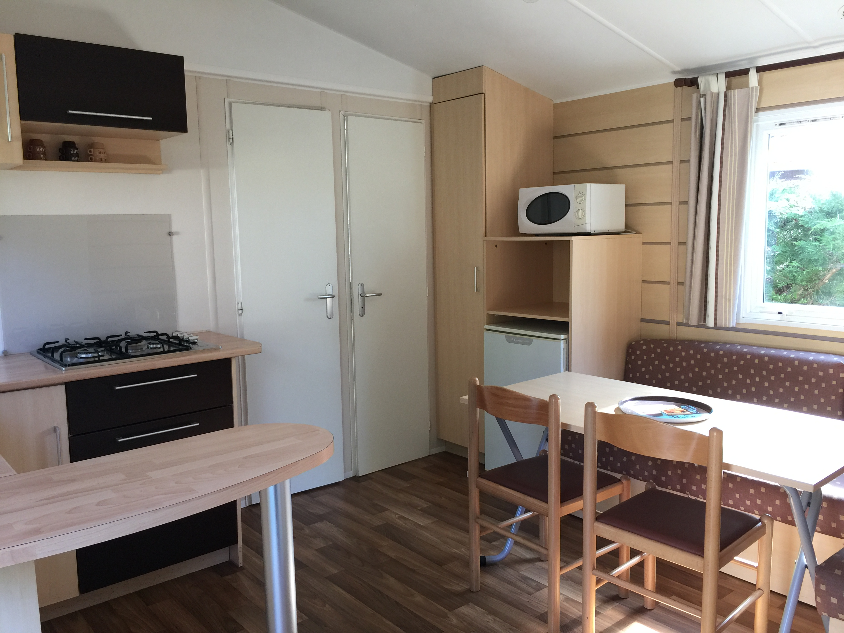Mobil-home Chocolat-interieur-gironde-LaChesnays-Montalivet