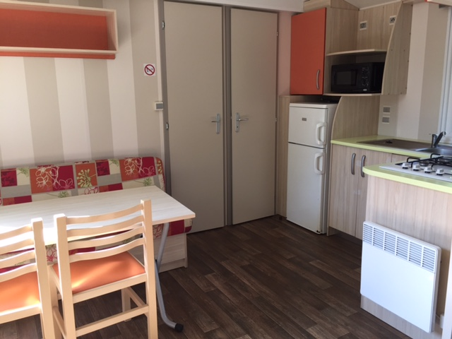 Mobil-home-2 chambres-Loggia -interieur-camping-gironde
