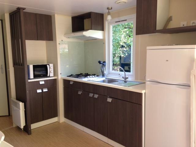 location-gironde-mobil-home-2ch-5p-cuisinejpg