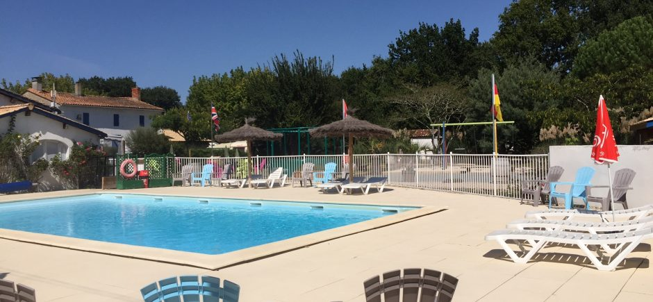camping-montalivet-la-chesnays-piscine
