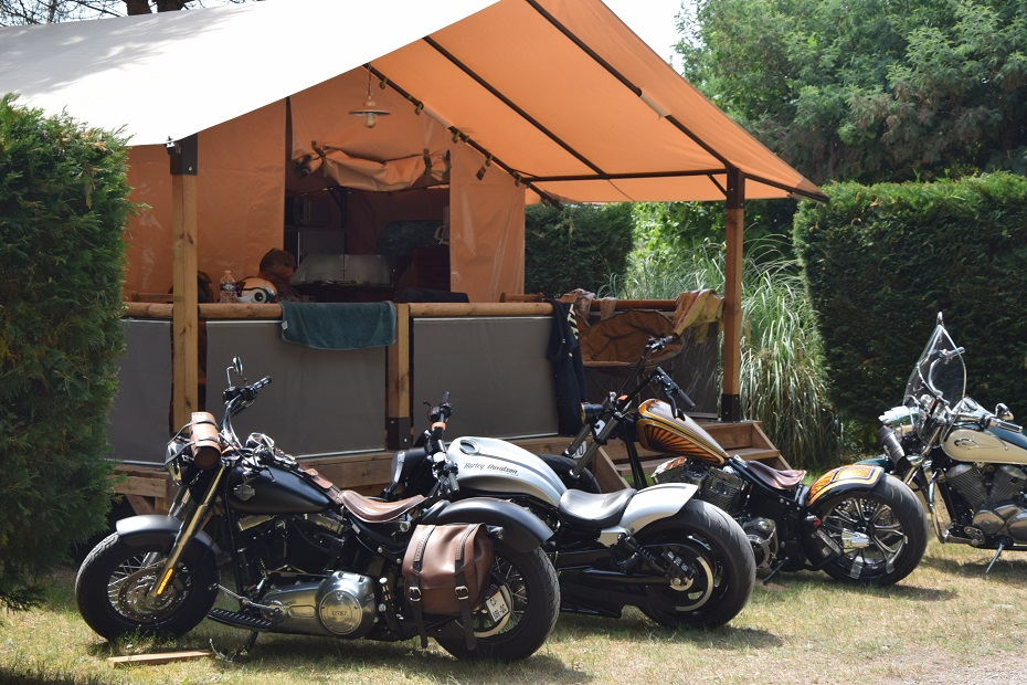 location Lodge-camping-montalivet-show bike- la chesnays